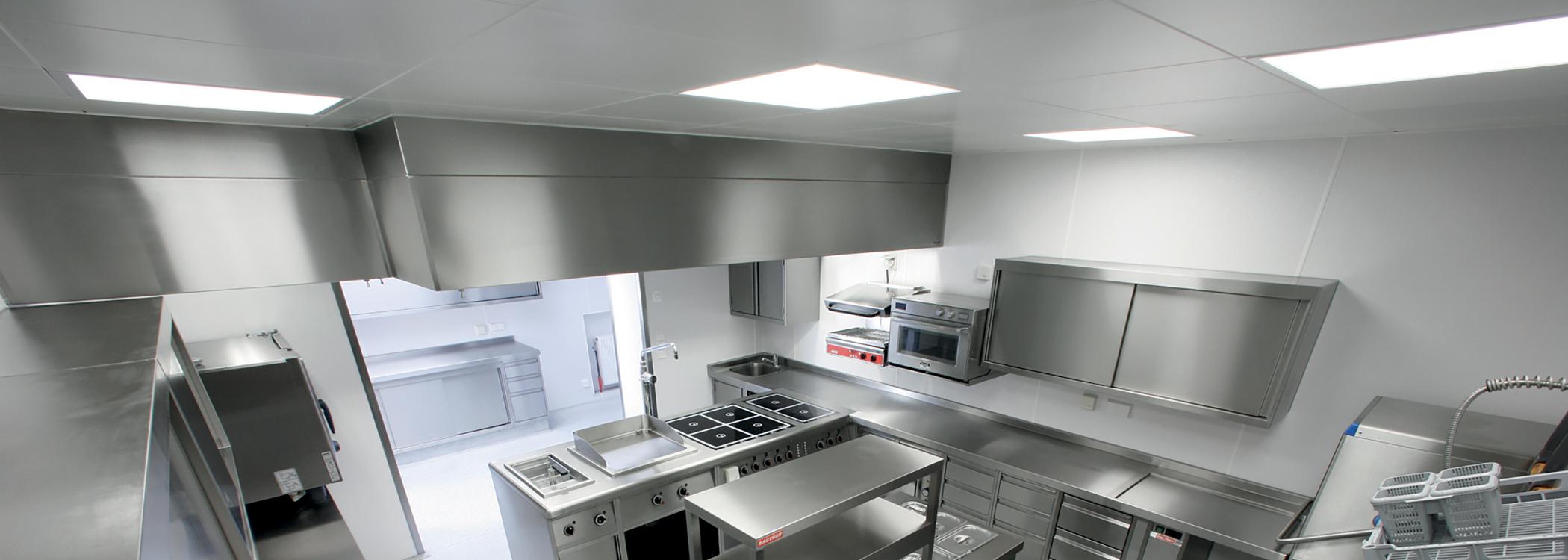 cuisine en plaques glasbord / plafond dalles pvc